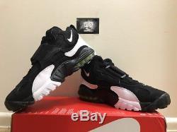 MEN'S NIKE AIR MAX SPEED TURF BLACK/WHITE/VOLTAGE YELLOW (525225-011) Size 9,12