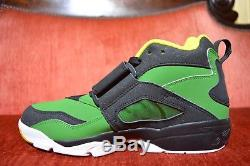 NEW Nike Air Oregon Ducks Diamond Turf Shoes Mens Size 10 Green/YellowithBlack