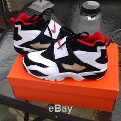 NIKE AIR DIAMOND TURF 309434-105 White Sport Red Men's Shoe BRAND NEW size 10