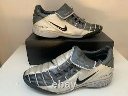 NIKE AIR MAX TOTAL 365 III TURF T90 INDOOR TRAINERS Size 10,5 9,5 44,5