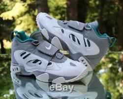 Nike Air Diamond Turf II Mens Size 10 Grey White Deion Sanders 487658-003