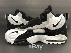 Nike Air Max Speed Turf Training White Black Cholorophyll 525225-103 Men's Sz 9