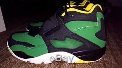 Nike Air Oregon Ducks Diamond Turf Shoes Mens Size 10 Green/YellowithBlack