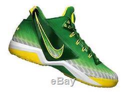 Nike Zoom Field = Size 11 = General Oregon Ducks Turf Men's Shoes 654859-371
