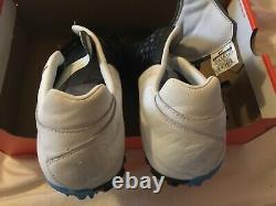 RARE Nike Bomba 5 Black. White Soccer Turf Shoes 415119-114 U. S Mens 10.5