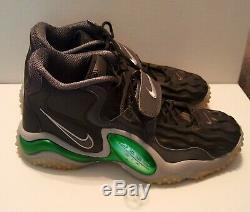 Rare NIKE'Packers' Air Zoom Turf Jet 97 Brett Favre Men's Shoe, Sz 11, MSRP$185